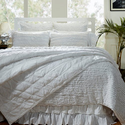 Cottage Home - Bella Ruffled Sheet Set - Make your bed more beautiful with this ruffled bed sheet set,which is made of 100 percent cotton. The soft sheets have a thread count of 200,and the fitted sheet works with mattresses up to 15 inches deep. The set is machine washable for convenience.