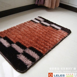 Luxury Plush Bath Mat Rug Mixed Color - This rug features an attractive pattern to add the feel fo relaxation to your bathroom. Luxurious silk feel shaggy bath mat with non slip latex back. Suitable for your living room, bedroom, bathroom and the office. Machine washable and easy to clean. This stylish rug is sure to add a touch of whimsy to any room in your home.