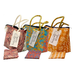 Eco Lunchbox - Eco Lunchette with 1 napkin - Brown bag lunches are a thing of the past with these colorful fabric lunch bags. Now you're going to have to refer to them as vivid, reusable, fashionable bag lunches.