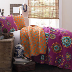 Lush Decor - Lush Decor Adrianne 3-piece Quilt Set - The Lush Decor Adrianne Three-piece Quilt Set provides a bright,energetic and comfortable look and feel. This fabulous geometric print in bright colors blends perfectly with the quieter,more subdued print on the reverse side.