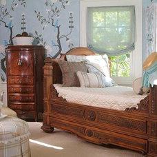 Traditional Bedroom by Treena Crochet