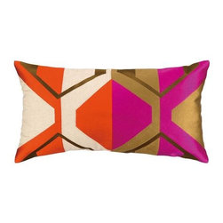 Trina Turk - Trina Turk La Playa Pillow-Magenta - The Magenta La Playa Pillow by Trina Turk is part of a line infused with bold signature prints and unique dynamic hues, Trina's modern and optimistic outlook meld the best of classic American design with a California confidence, incorporating beautiful fabrications and impeccable quality for the effortless elan and carefree glamour.