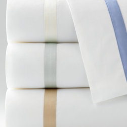 Matouk - Standard Lowell Pillowcase - MatoukStandard Lowell PillowcaseDesigner About Matouk:The son of a jeweler John Matouk understood the principles of fine workmanship and quality materials. After studying fine fabrics in Italy he founded Matouk in 1929 as a source for fine bed and bath linens. Today the third generation of the Matouk family guides the company whose headquarters were relocated to the United States from Europe during World War II. Matouk linens are prized worldwide for their uncompromising quality and hand-finished detailing by skilled craftsmen.
