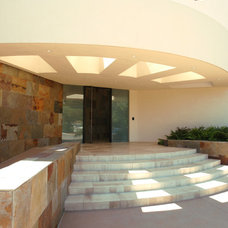Contemporary Entry by Steigerwald-Dougherty, Inc.