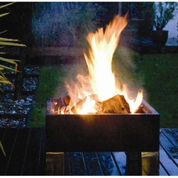Fire Sense HotSpot Square Fire Pit - -Finest in British Design and Quality
