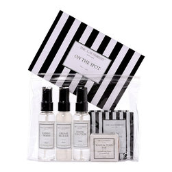 On The Spot Kit - 1.2 oz - A practical gift set full of purse-sized luxury laundry products all the essentials in one place is a superb gift for graduates, for bon voyage, or for fashionable friends of all stripes. in 1.2-ounce sizes, the Wash and Stain Bar, Fabric Fresh, Crease Release, and Static Solution are easily portable; four packets of Stain Solution complete the On-the-Spot Kit for arming both men and women against the sartorial unexpected.