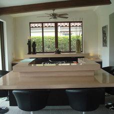 Contemporary Bar Tables by MGC Servicios de Arquitectura