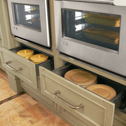 GE Monogram custom panel warming drawer - This highly capable helper keeps your just-cooked dishes at temperature, so your carefully prepared meals won't be foiled latecomers. The drawer can also be used to warm plates and proof bread dough.