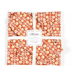 Working Class Studio - Vine Hostess Collection - Gift Set - Burnt Scarlet - This pretty pattern of flowering vines will perk up any kitchen. And who wouldn't appreciate a new set of everyday basics —apron, potholders and tea towels? Nicely packaged as a set, they make an ideal housewarming or hostess present — or feel free to gift yourself!