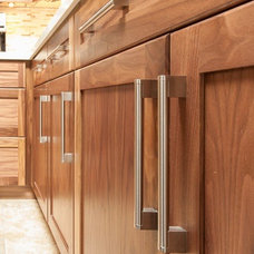 Traditional Kitchen Cabinetry by Hay's Woodworking