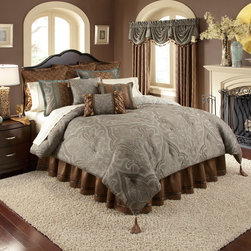 Veratex - Veratex Valverde 4-piece Comforter Set - Make your bedroom beautiful with this four-piece comforter set. The gorgeous set includes one paisley-patterned comforter,two shams,and one bedskirt. Its contemporary design makes this all-season comforter suitable for modern decors.