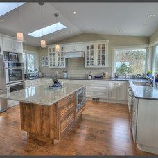 Modern Kitchen Countertops by Colonial Countertops Ltd.