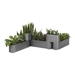 Pony Planters - I love the modern shapes of this planter. The varying levels make it such an interesting patio piece!