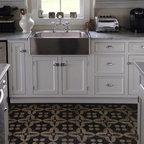 flooring - Kitchen demo using a Pattern III white on black floor cloth.