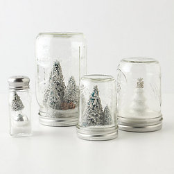 Mason Jar Snow Globe - These snow globes are the perfect gift for the host who has it all.