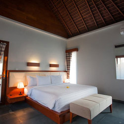 bedroom, livingroom and kitchen - bedroom with modern trandisional style, using  traditional roof and ceiling.