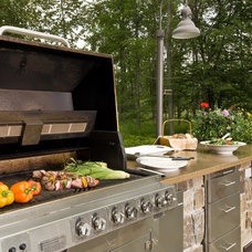 Traditional  by Kalamazoo Outdoor Gourmet