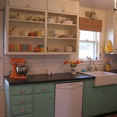 Before & After: A White Kitchen Gets a Colorful Makeover