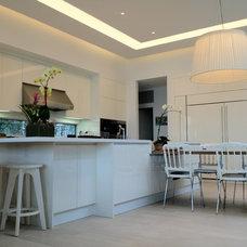 Modern Kitchen by [STRANG] Architecture