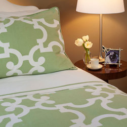 Crane & Canopy - Noe Green Signature Duvet Cover - Twin/Twin XL - Combining modern simplicity with classic patterning, our Spring Green Noe duvet cover emits a personality of sophistication and refinement. The duvet set's graceful egg-shell white arcs reach to its architectural origins, expressing structural beauty over an aged sage green backdrop.