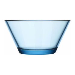 Iittala - Kartio Bowl 13 Oz. Light Blue - Clearly, you've got style — and this simple glass bowl is a testament to it. It adds a classic touch to your favorite setting, and you'll fill 'er up with everything from snacks to sauces.