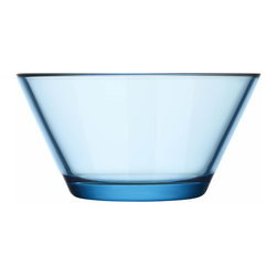 Iittala - Kartio Bowl 13 Oz. Clear, Light Blue - Clearly, you've got style — and this simple glass bowl is a testament to it. It adds a classic touch to your favorite setting, and you'll fill 'er up with everything from snacks to sauces.