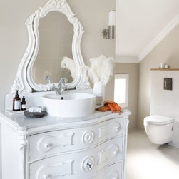 World best 25 Bathroom Ideas and Design and bathroom remodels - Bathroom Ideas and Design world best Interior Bath Design in various styles like Asian, beach style. Contemporary,craftsman, Eclectic, Farmhouse, Industrial, Mediterranean, Midcentury, Mordern, rustic,Traditional, Transitional, tropical. and more