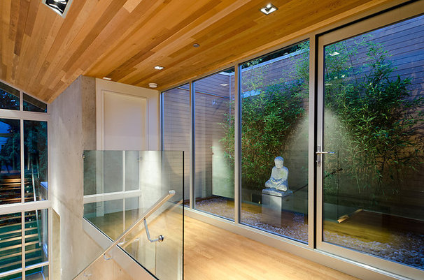 Contemporary Entry by Garret Cord Werner Architects & Interior Designers