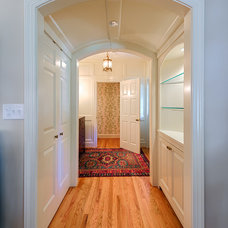 Traditional Hall by Andrew Roby General Contractors