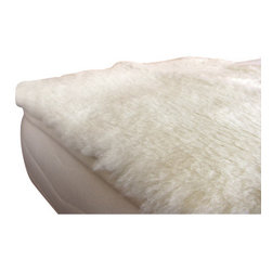 Holy Lamb Organics - Holy Lamb Organics Happy Lamb Fleece Topper, King/Cal King - The Holy Lamb organics Happy Lamb Fleece features cloud-soft exposed wool woven into an organic cotton backing. This product may offer significant pressure point relief.