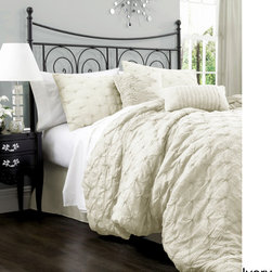 Lush Decor - Lush Decor Lake Como 4-piece Comforter Set - Give your bed an elegant appearance with this four-piece comforter set. Constructed of a cotton blend and available in a variety of colors and sizes,this set features a lovely diamond pattern that will make you proud to own it every time you see it.
