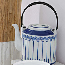 Traditional Teapots by Impressionen