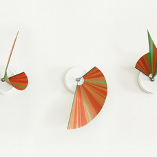 modern clocks by Studio Ve