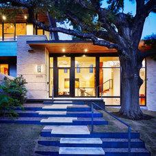 Modern  by Risinger Homes