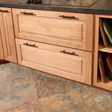 Kitchen Cabinetry by CliqStudios Cabinets