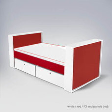 Modern Kids Tables by ducduc