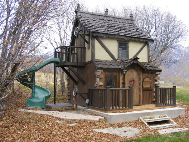 Traditional Outdoor Playhouses by Fancy Builder, Inc.