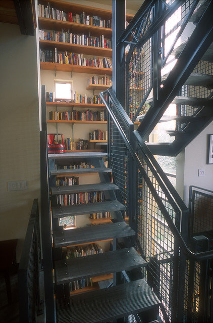 Industrial Staircase by PLACE architect ltd.