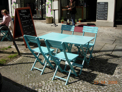 Berlin Cafe (from Flickr user tellmewhat2)