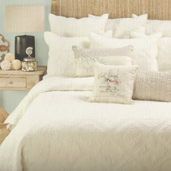 Ivory Seashell Quilt Set