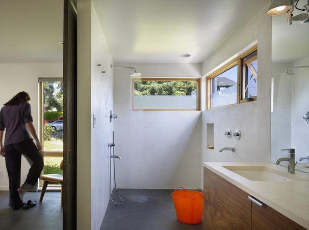Modern Bathroom by chadbourne + doss architects