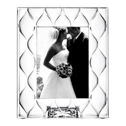 Orrefors - Diamond Frame  (5x7) - Classic or contemporary the new Orrefors frames are the perfect way to display cherished memories and make the perfect gifts.