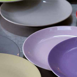 Sabre Paris Numero 1 Dinnerware - The perfect base or accent! Sabre's Numero 1 collection offers a solid color base or accent that pairs magically with the Pois, Tennis and Louise collections.Imported from France.