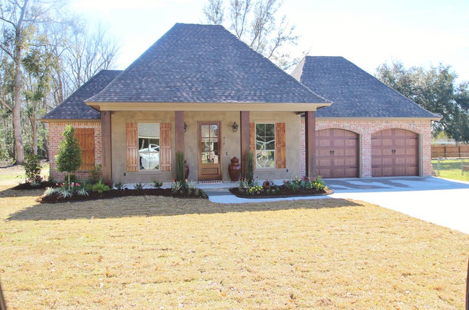 Acadian style for Acadiana home builders