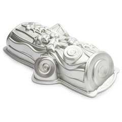 modern cookware and bakeware Nordic Ware Yule Log Pan