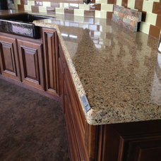Kitchen Countertops by Hunts Home Interiors & Design