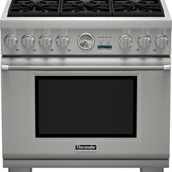 Thermador - 36 inch Professional Series Pro Grand Commercial Depth Liquid Propane Range PRL3 - The combination of powerful performance and elegant styling makes the Thermador Professional Series Range the epitome of American luxury in the kitchen. With ultimate performance driven innovation, these ranges now feature our easy-to-clean porcelain cooktop, ExtraLow® simmering featuring our Star® Burners, 18,000 BTUs Power Burner, a large capacity Convection Oven and SoftClose® doors.