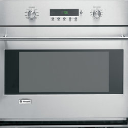 GE Monogram European style single wall oven - The reverse-air convection system combines with a six-element design—two bake, two broil and two convection—to provide superb cooking results. So whether you're using your wall oven for caramelizing a crème brûlée or slow-roasting heirloom potatoes, the results will be precise and perfectly even.