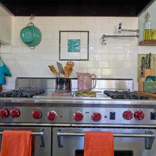 : AnnetteGutierrez-KitchnTour : Apartment Therapy