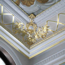 Traditional  by Buffalo Plastering and Architectural Casting